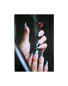 Poster Ongle Fantaisie Stiletto Blanc Noir fond Noir